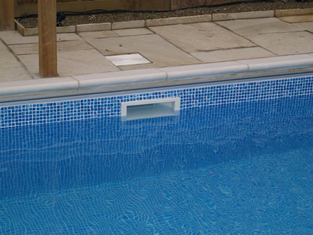 πισίνα με skimmer