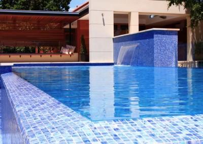 πισίνα με υπερχείλιση 2