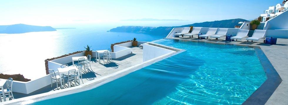 πισίνα με  υπερχείλιση