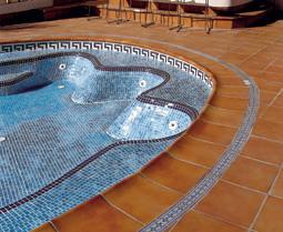 επένδυση πισίνας με πλακάκι 1