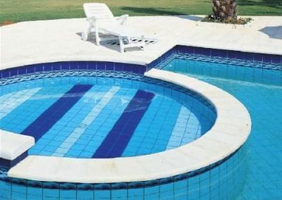 επένδυση πισίνας με πλακάκι 2