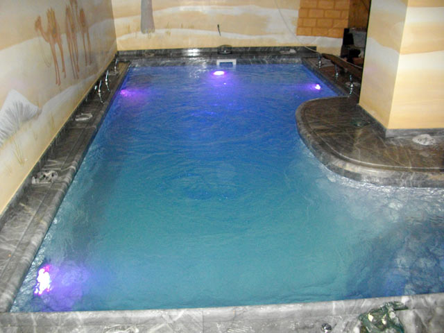 εσωτερική πισίνα 3